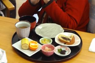 家庭的なお食事のイメージ